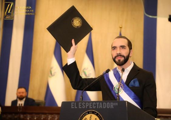 El Congreso de El Salvador condena 'intento de golpe' del presidente Bukele